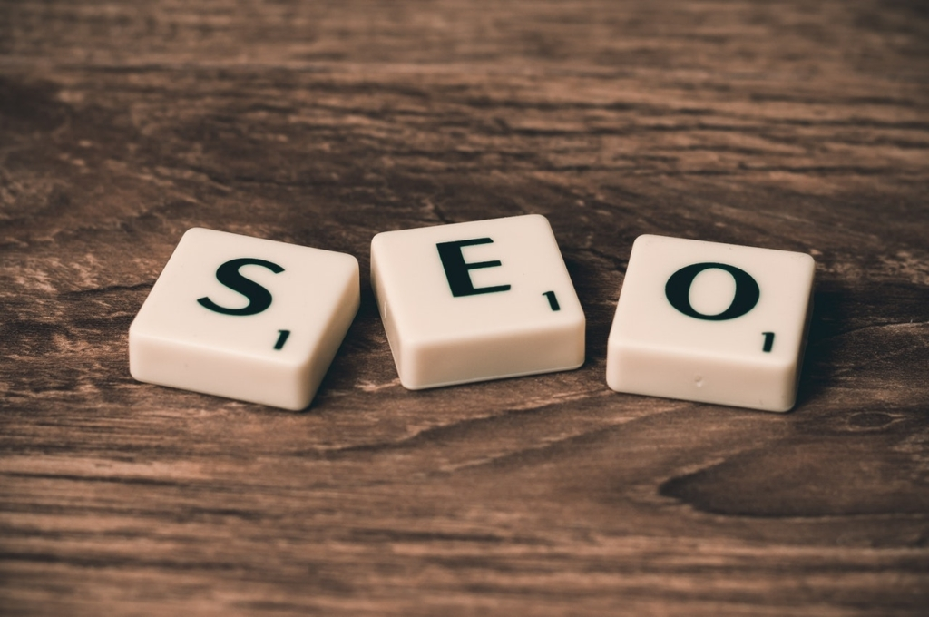 SEO on white square boxes